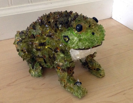 Leif Toad glass sculpture