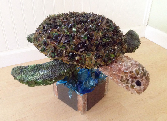 Splash Sea Turtle glass sculpture