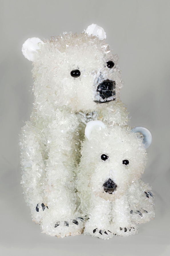 Tammura Mom and Baby Polar Bears glass sculpture